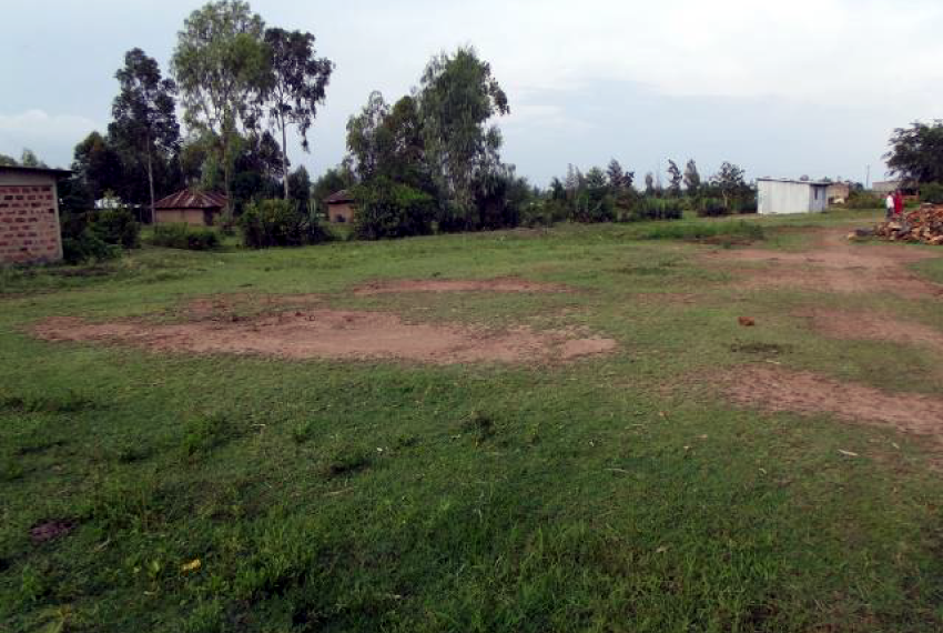 Land in Otonglo, Past the Kisumu International Airport