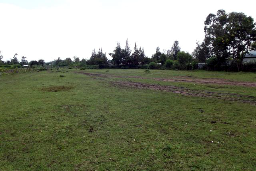 Land on Busia Road