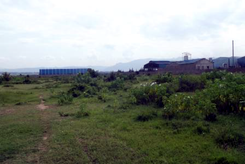 Land on Kibos Road, Opposite Steel Factory