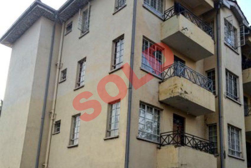 Apartment in Milimami