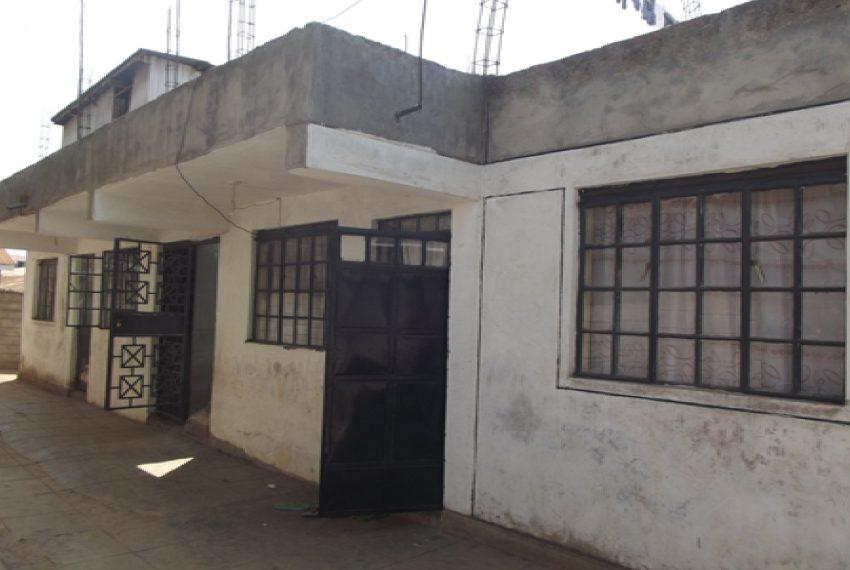 House in Manyatta (Corner Mbuta)